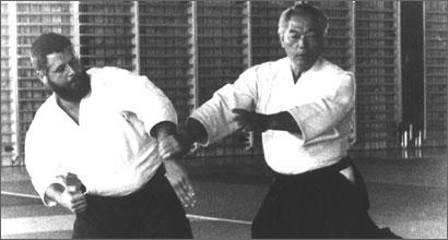 Hirokazu Kobayashi Sensei throwing André Cognard