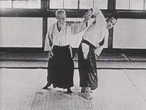 Morihei Ueshiba apply sankyo to Koichi Tohei in 1952 film