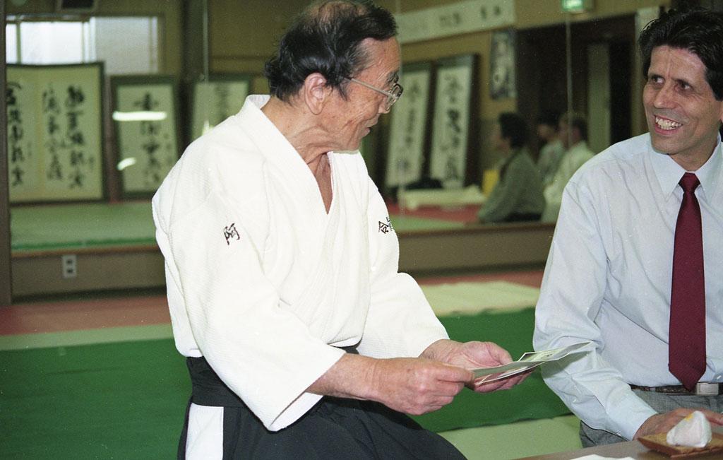 Stanley Pranin interviewing Seiseki Abe.